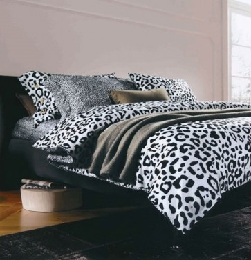 Black and White Cotton Abstract Double Bedsheet
