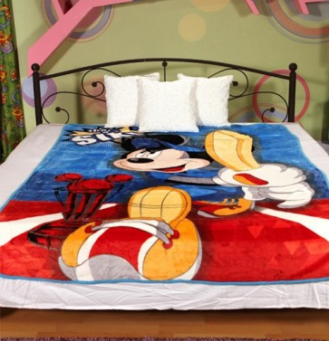 Disney mickey mouse cricket Single Bed Blanket Quilt Throw by Signature
