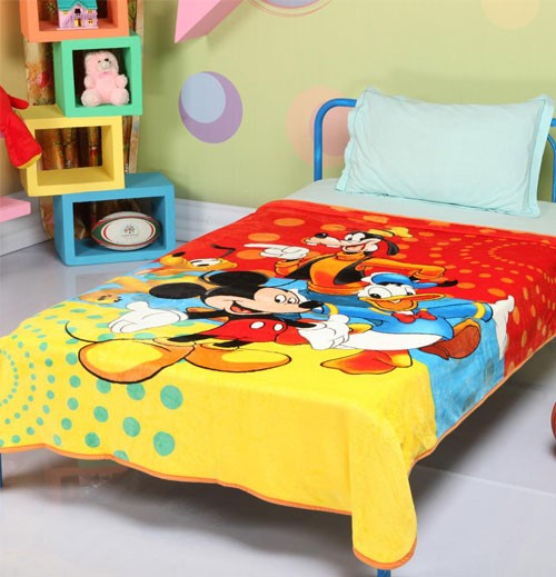 Disney Mickey Mouse And Friends Signature Single Bed Blanket Quilt Throw